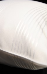 Christian-Fischbacher-Bettwäsche-Luxury-Nights-Noble-Stripes-weiß-Satin