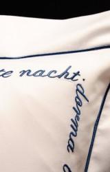 Christian-Fischbacher-Bettwäsche-Luxury-Nights-Sweet-Dreams-blau-weiß-Satin