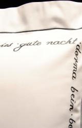 Christian-Fischbacher-Bettwäsche-Luxury-Nights-Sweet-Dreams-grau-weiß-Satin