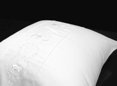 Vorschaubild christian fischbacher bettwaesche luxury nights alpaufzug satin 010