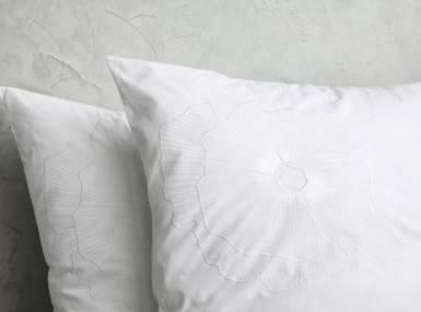 Vorschaubild christian fischbacher bettwaesche luxury nights bloom 350 popeline