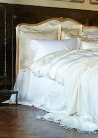 Christian Fischbacher Bettwäsche Serie Luxury Nights - Sinnlichkeit und liebevolle Details